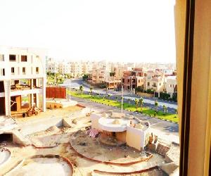 Apartment at Beverly Hills compound Elsheik Zayed for Rent or sale $880,000