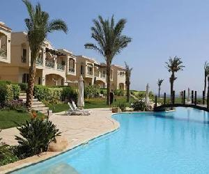 For sale in lavista 4 el sokhna Chalet ground 140 meter 3